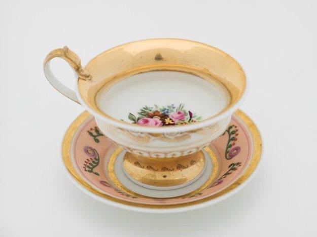 Tea cup with saucer, Slavkov (Schlaggenwald), 1840 – 1850. Slovak National Museum, Červený Kameň Castle