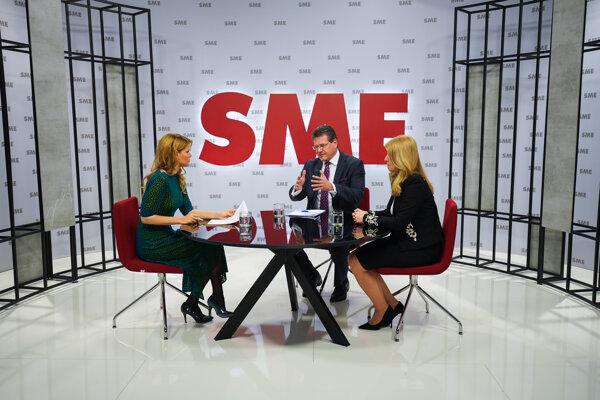Zuzana Čaputová and Maroš Šefčovič during a debate for the Sme daily.