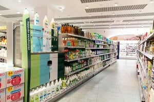 The retail chain dm drogerie markt is testing the concept of a draft drugstore in ten Slovak towns.