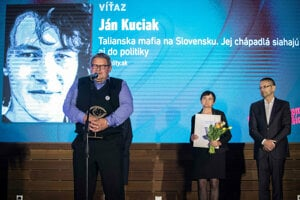 Parents of Jan Kuciak accept the Grand Prix for journalism for 2018.