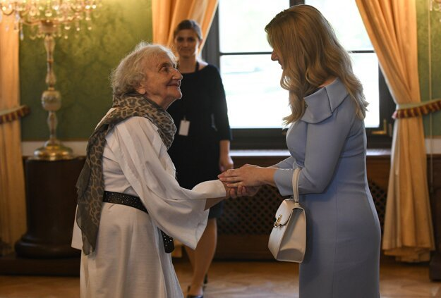 President Zuzana Caputova welcomes her guests at the inauguration lunch with seniors.