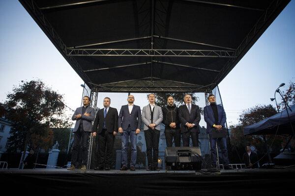 Left to right: Igor Matovič (OĽaNO), Ondrej Dostál (OKS), Richard Sulík (SaS), Miroslav Beblavý (Spolu), Michal Truban (PS), Andrej Kiska (Za Ľudí), Alojz Hlina (KDH)