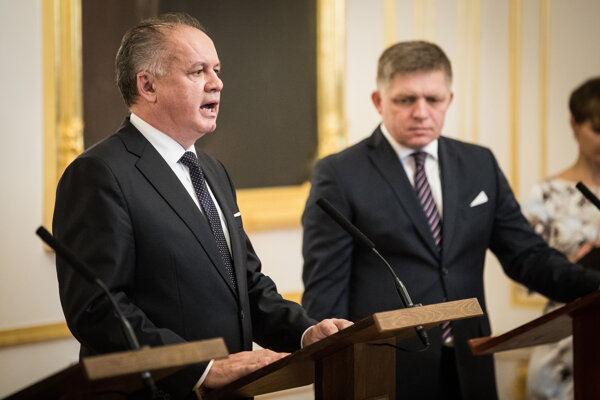 Illustrative stock photo: Andrej Kiska (l) and Robert Fico (r)