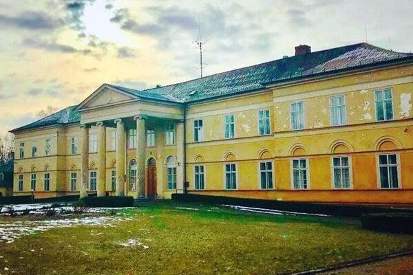 Manor house in Dolná Krupá