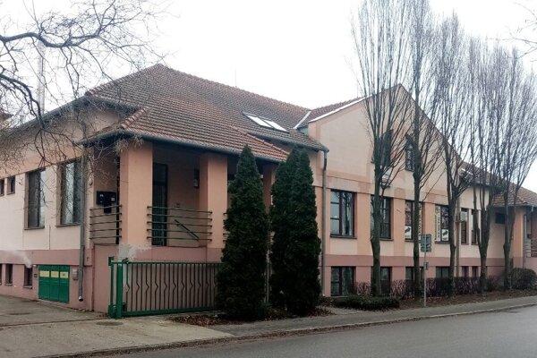 A new Dunajská Streda Foreigners's Police building is located on Mlynská Street