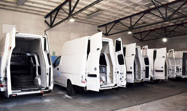 Voltia vans in the production hall of Hollen.