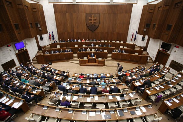 Parliament expressed its confidence in the Matovič government on April 30, 2020.