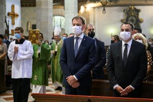 PM Igor Matovič and MEP Peter Pollák attended the mass in St Martin's Cathedral in Bratislava.