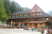 The chalet near Popradské Pleso lake.