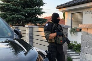 The police carry out their last 'Venal 4' search related to the drug mafia on August 17, 2020 in the town of Sereď.