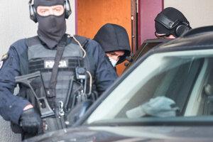Former police corps president Tibor Gašpar leaving interrogation.
