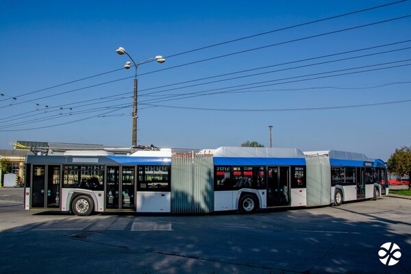 Bratislava is testing a 24-metre double articulated trolley bus.
