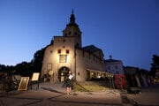 """Banská Bystrica has a new tourist attraction. The """"orloj"""" is placed on the facade of the Barbakan city castle."""