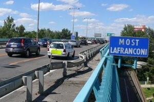 Lafranconi Bridge in Bratislava has been renamed to Lanfranconi Bridge.