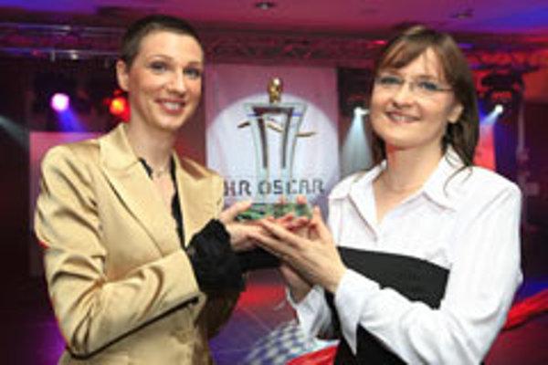 """HR Oscar"" winners: Diana Legdanová (left) and Monika Tajblik Löfflerová of Východoslovenská Energetika."