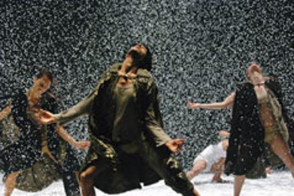Kef-Kafim by the Kibbutz Contemporary Dance Company.