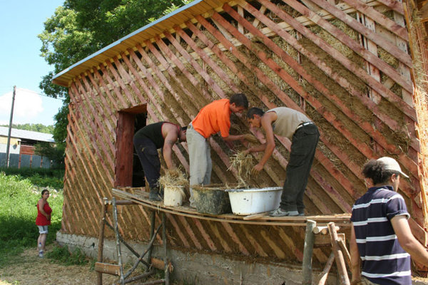 A new project is helping Roma learn to build their own houses.