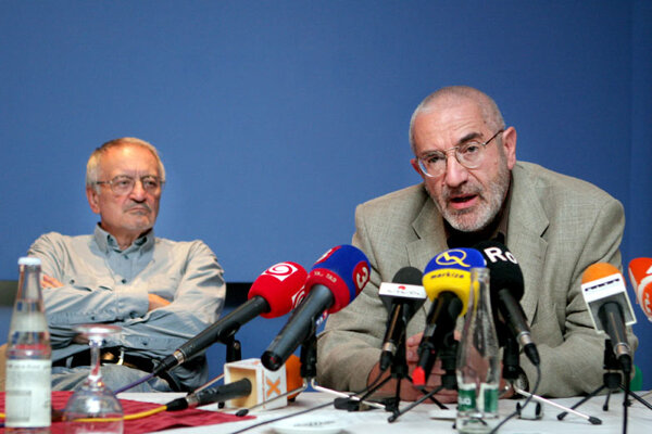Eduard Kováč (right), executive director of the Association of Health Insurers.