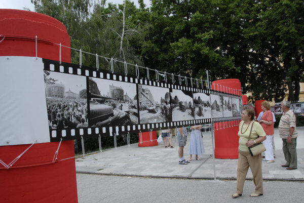 The Bielik display marks the 1968 invasion .