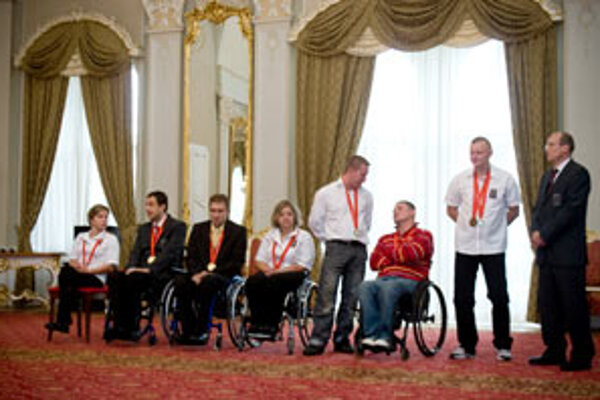 Slovak paralympic winners awaiting PM Fico.