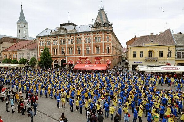 Dancers in Košice strut their stuff.
