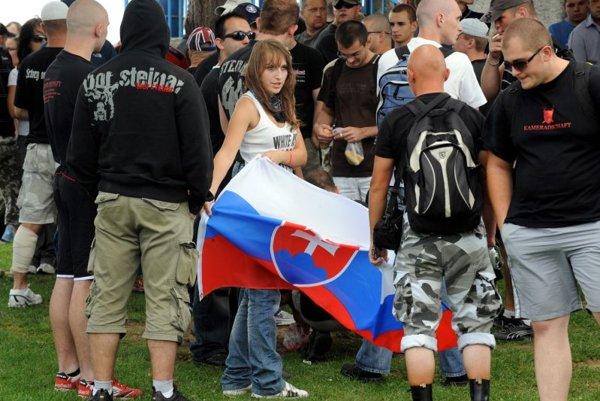 Protesters gathering in Šarišské Michaľany on August 8.