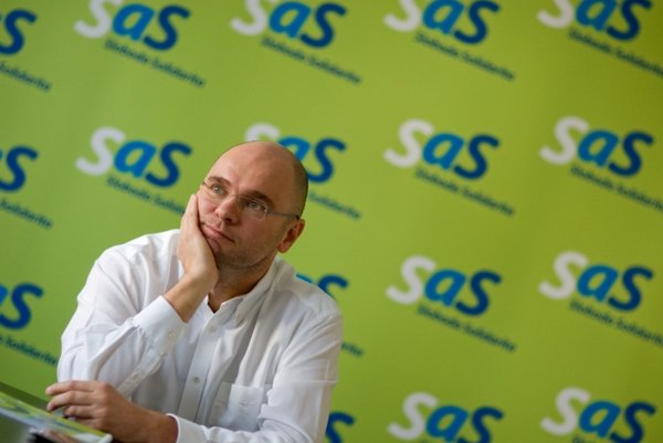 Referendum resonated as one of the leading topics of Richard Sulík's SaS election campaign.