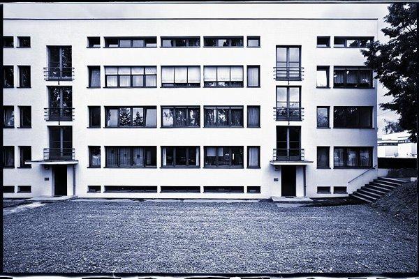 Apartment House Weissenhof Estate, L. Mies van der Rohe,1927, Stuttgart, Germany