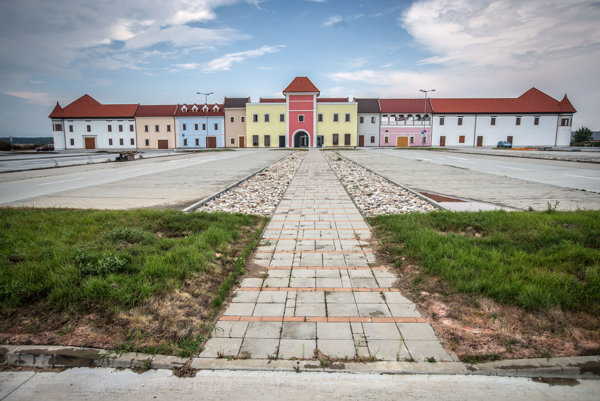 Planned outlet near Senec will transform into office buildings.