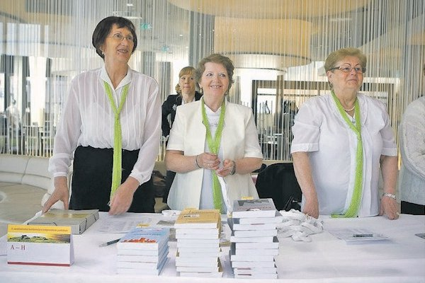 Volunteering is a popular activity for retirees