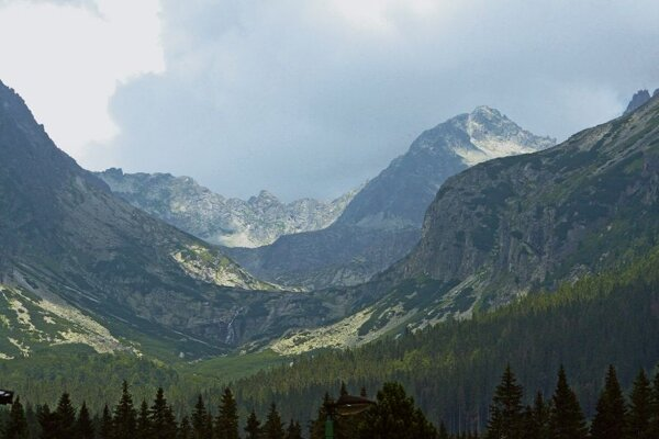 Business tourists have started exploring the Tatras.