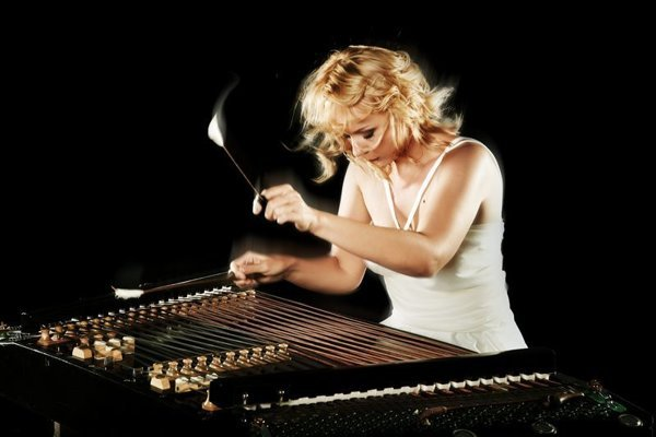 Enikő Ginzery, to perform at the Melos-Étos festival of contemporary classical music