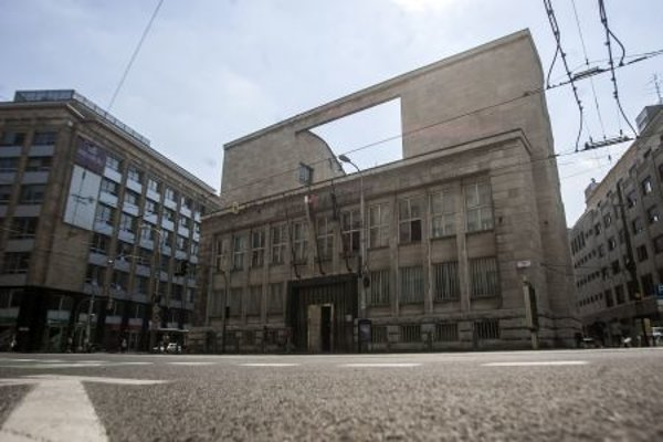 The General Prosecutor's Office dissolved the posts of numerous public prosecutor officials because of a law cleared by the Constitutional Court.