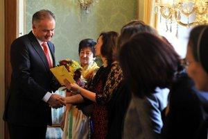 President Andrej Kiska has a lunch with 10 randomly selected women.