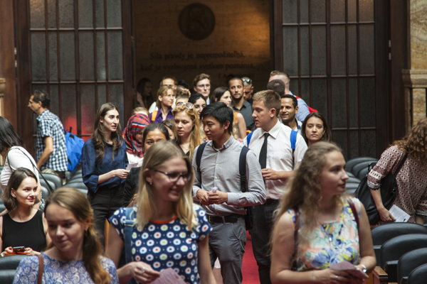 Students of Studia Academica Slovaca arrive to the ceremonial opening of the 52nd edition of the summer school.