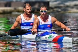 L-R: Tarr and Vlček in kayak sprint semi-finals at Rio Olypics.