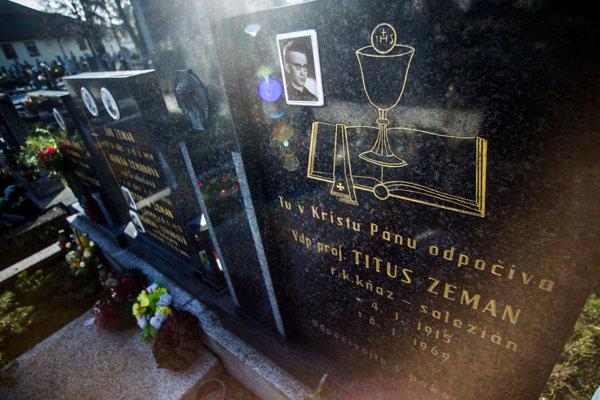 The grave of Titus Zeman