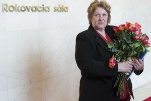 Jana Dubovcová leaves parliament after her last report.