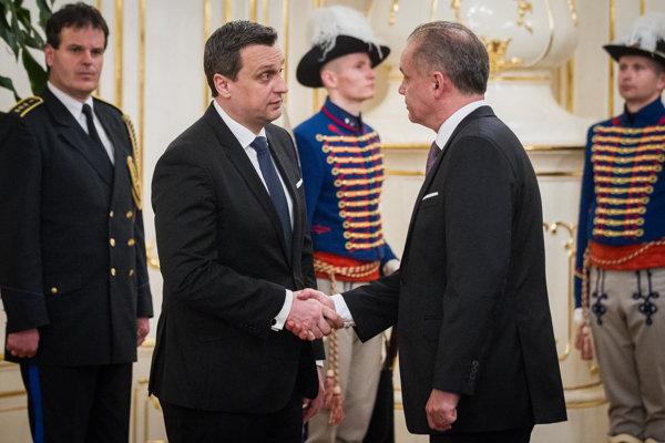 Speaker of Parliament Andrej Danko (l) and President Andrej Kiska (r)