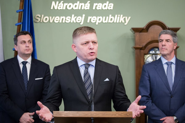 l-r: SNS chair Andrej Danko, Smer chair and PM Robert Fico and Most-Hid chair Béla Bugár