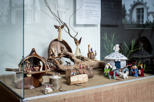 Nativity scenes from Africa, India and Kyrgyzstan