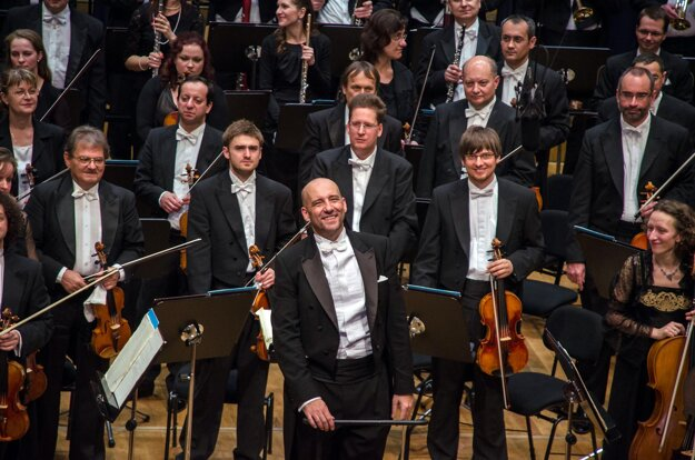 Slovak Philharmonic (SF) and E. Villaume