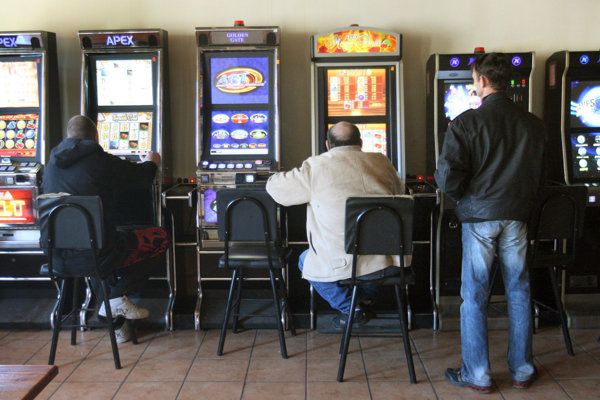 No slot machines in pubs as of the beginning of 2018.