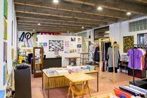 Artattack shop & room
