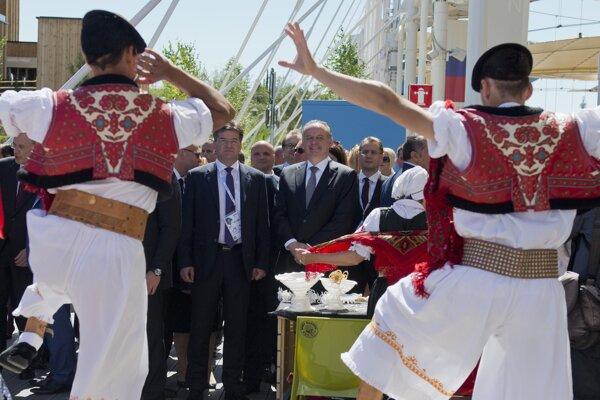 Foriegn Minister Miroslav Lajčák L) and President Kiska visited Slovak pavilion at Expo