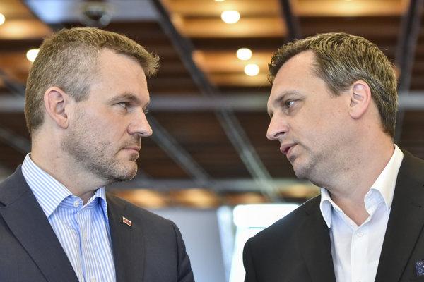 PM Peter Pellegrini (l) and Speaker of Parliament Andrej Danko (l)