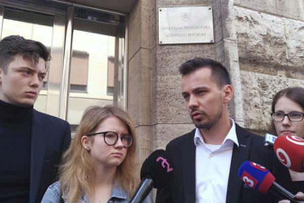 For a Decent Slovakia represenattives - L-R: Lukáš Füle, Karolína Farská, Juraj Šeliga and Veronika Bruncková - filed a suit against ex-PM Robert Fico June 15.