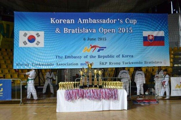 Taek-won-doo cup