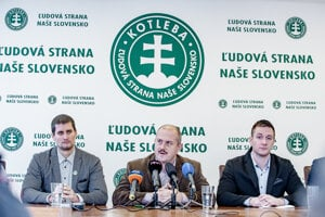 ĽSNS chair Marian Kotleba (centre) and his colleagues hold a press conference in Banská Bystrica on January 9, 2019