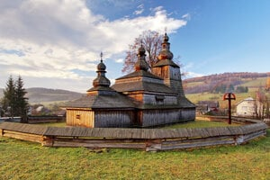 Miroľa: Church of the Protection of the Most Holy Mother of God